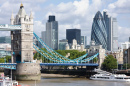 Tower Bridge und The Gherkin, London